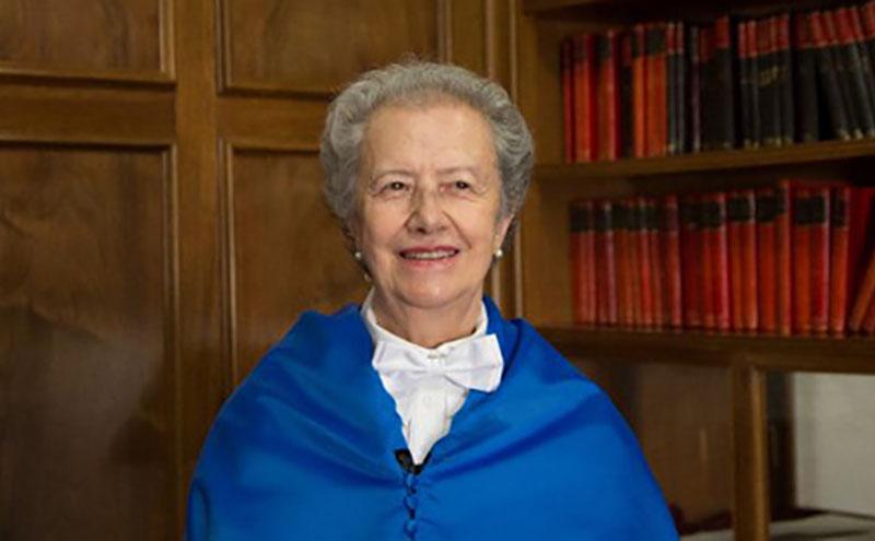 María Josefa Yzuel, investida  Doctora Honoris Causa por la Universidad de Granada
